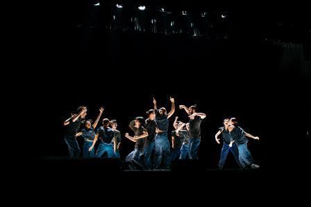 מתוך המופע, צילום: Shi lei, באדיבות: לינה בלס