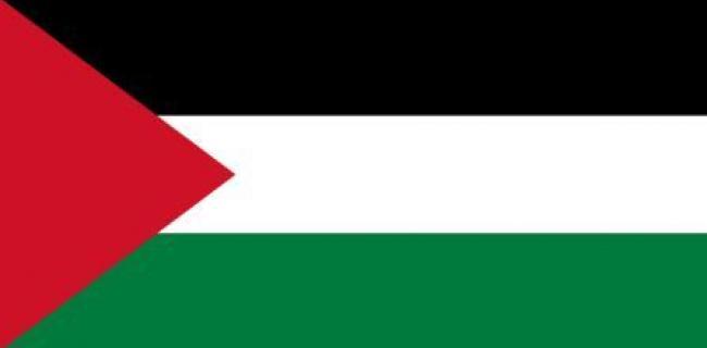 הדגל הפלסטיני - הצבע הלבן מסמל את בית אומיה (750-650 לספירה), הצבע השחור מייצג את שושלת בית עבאס, הצבע הירוק – צבע האסלאם וכן של הפאטימים השיעים והצבע האדום – צבעם של ההאשמים, צאצאי הנביא מחמד