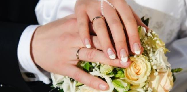 מעצבים חתונה? בחירת פרחים קובעת
