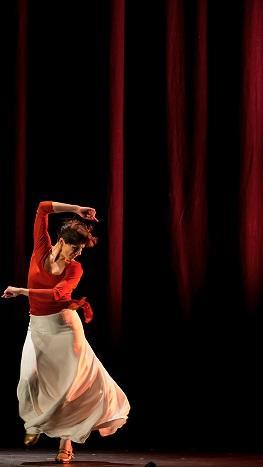 מתוך המופע, צילום: Felix Vasquez, באדיבות: הילה קומם