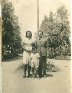 סעידה ועזרא חקק ומשה אח של סעידה 1949
