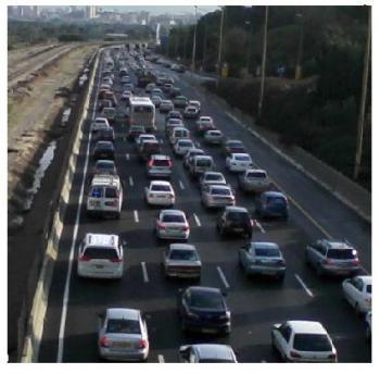 האם מצב התנועה בדרכים משתפר או מחמיר?