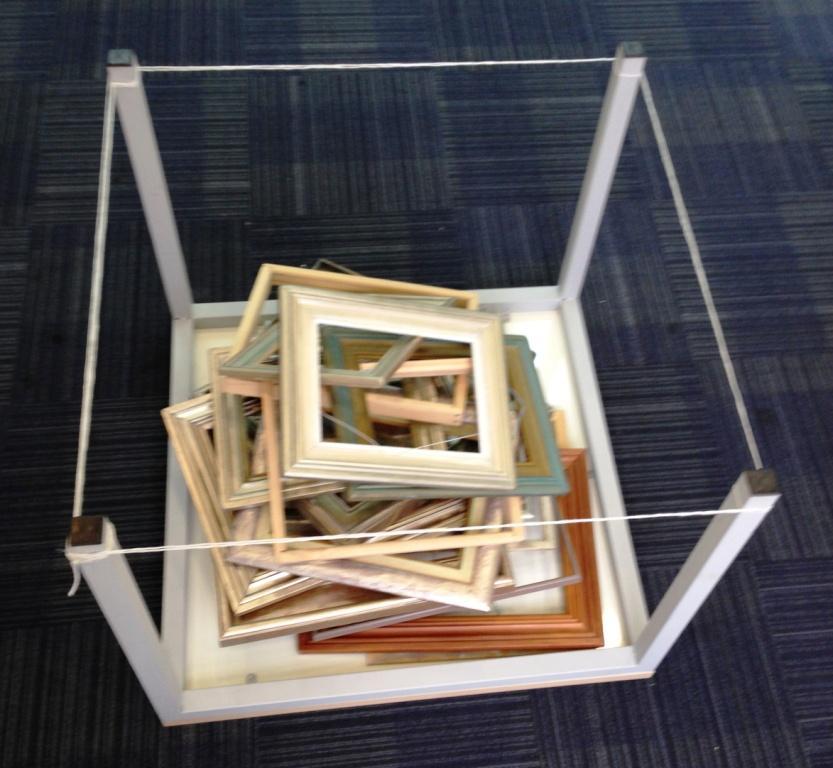 רסטורציה - תערוכת עבודות אמנות בשימור - יום אתמול - מיצב