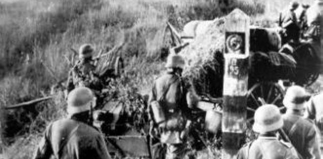חיילים גרמנים חוצים את הגבול לברית המועצות ביום הפלישה 22 ביוני 1941