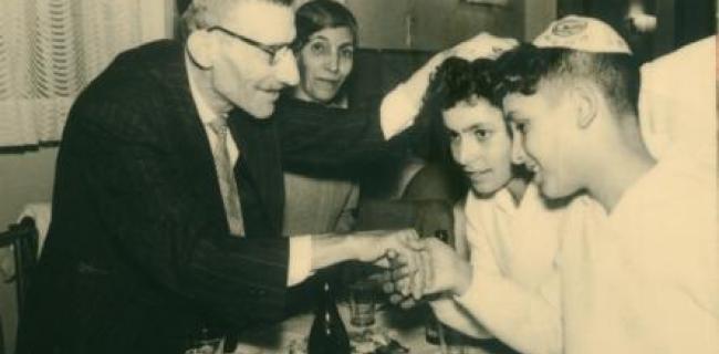 סבא יצחק וסבתא תופחה והתאומים 1961