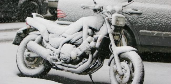 לא רק בגלל הרוח: מדריך לרכיבה על אופנוע בחורף