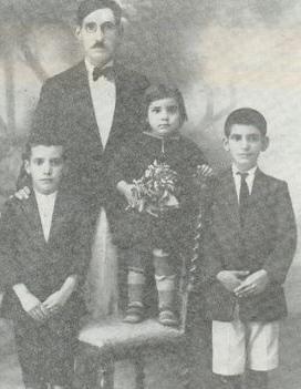 נורי, אברהם, אחותם ויולט והאב יצחק. 1931