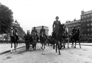חיילים גרמנים בפריז יוני 1940